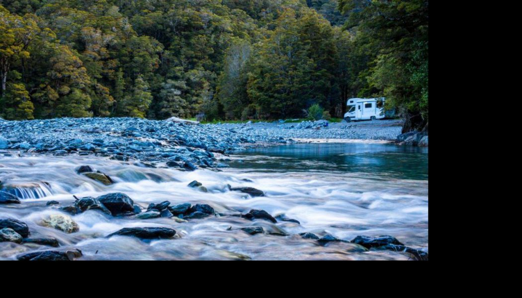 campervan u potoka